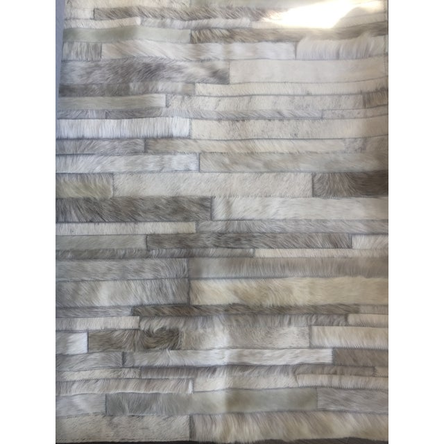 Minimalism Handmade Argentinian Cowhide Patchwork Rug in Light Grey Patchwork - 2′11″ × 11′10″ For Sale - Image 3 of 4