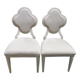 Bassett Clover Back Neutral Dining Chairs - a Pair For Sale