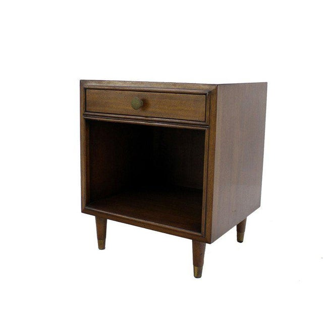 Pair of very nice mid century modern walnut nightstands by Johnson Furniture Company for John Stuart. One drawer cube...