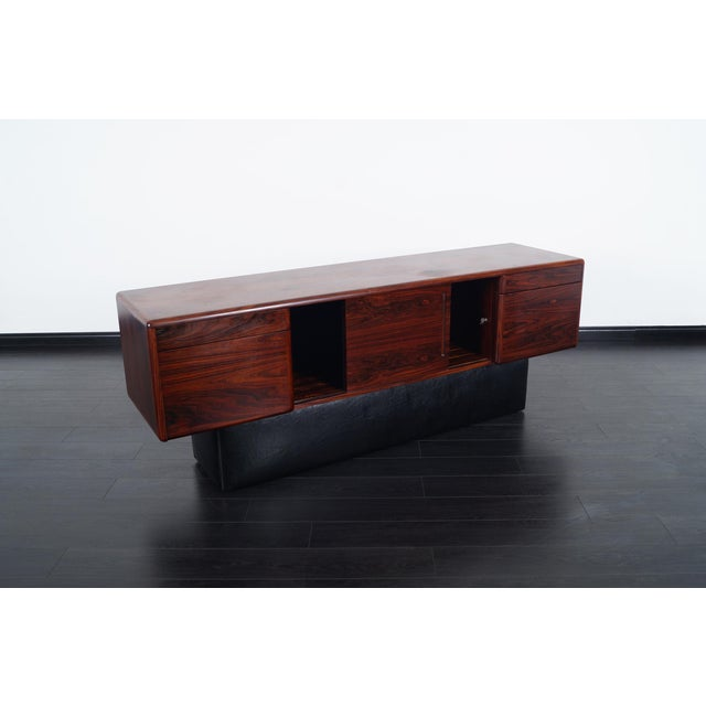 Danish Modern Rosewood Credenza For Sale - Image 4 of 9