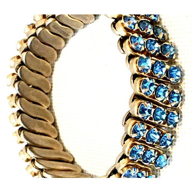 1960's Gold & Sapphire Blue Crystal Rhinestone Expansion Link Bracelet For Sale - Image 4 of 9