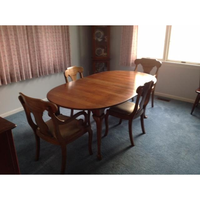 Pennsylvania House Dining Room Table With 4 Chairs - Image 4 of 8