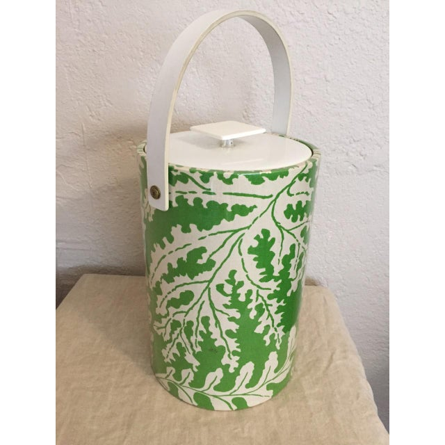 1970s 1970s Hollywood Regency Green and White Plastic Ice Bucket For Sale - Image 5 of 6