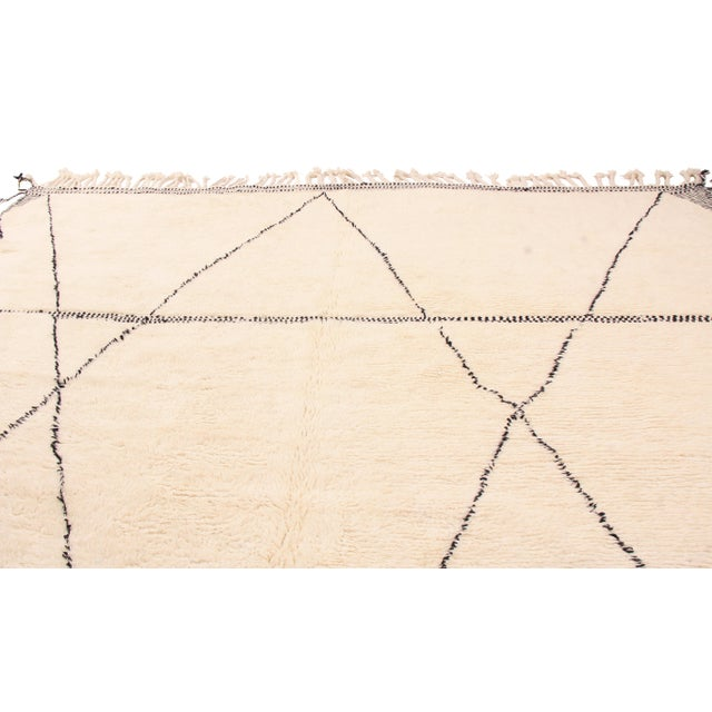 Rug & Kilim Moroccan White and Black Wool Rug With Pile - 10′4″ × 14′11″ For Sale - Image 4 of 5