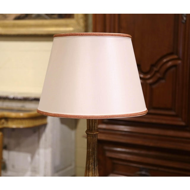 Midcentury French Carved Giltwood Table Lamp With Custom Shade For Sale - Image 4 of 10