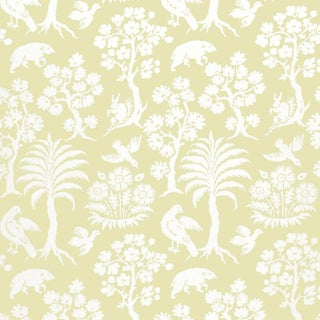 Schumacher Palm Damask Wallpaper in Willow For Sale