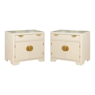 Elegant Restored Pair of Modern End Tables in Cream Lacquer For Sale