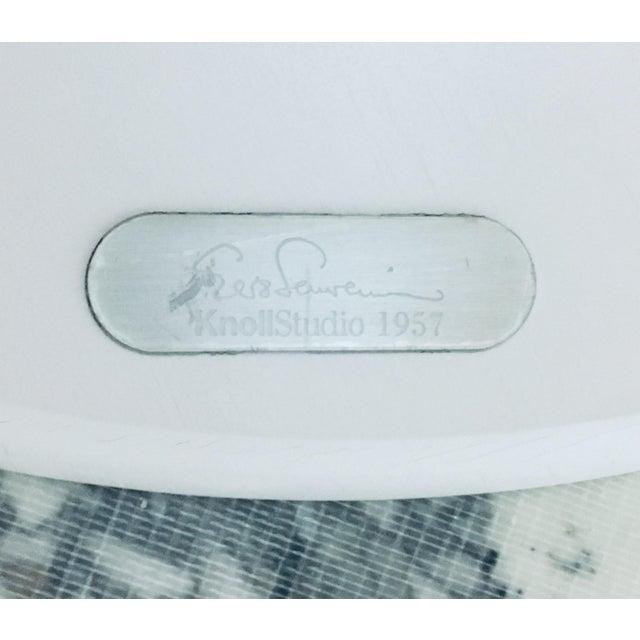 "Mid Century Modern Eero Saarinen Knoll 48"" Tulip Marble Dining Table For Sale - Image 9 of 10"