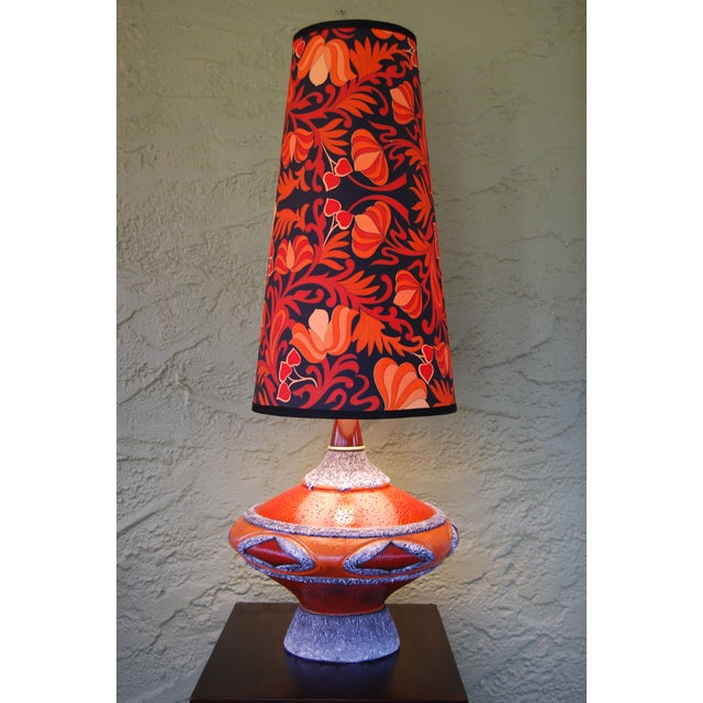 Plaster '60's Fat Lava-Inspired Chalkware Table Lamp & Custom Shade For Sale - Image 7 of 9