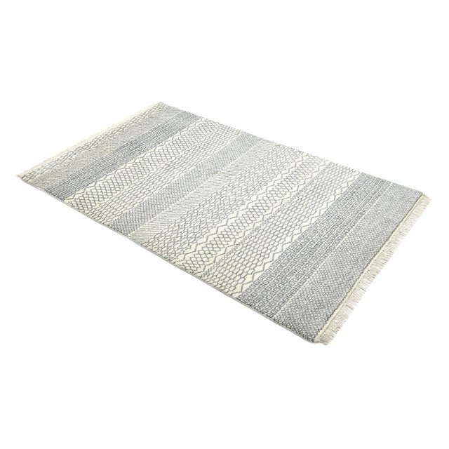 Gray Venus, Bohemian Tribal Hand Knotted Area Rug, Ivory, 5 X 8 For Sale - Image 8 of 9