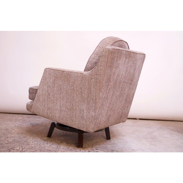 1950s Edward Wormley for Dunbar Revolving Lounge Chair in Mahogany For Sale - Image 5 of 13