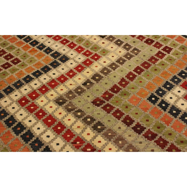 Abstract Tribal Rolanda Gray/Black Hand-Woven Kilim Wool Rug -5'3 X 6'7 For Sale In New York - Image 6 of 8