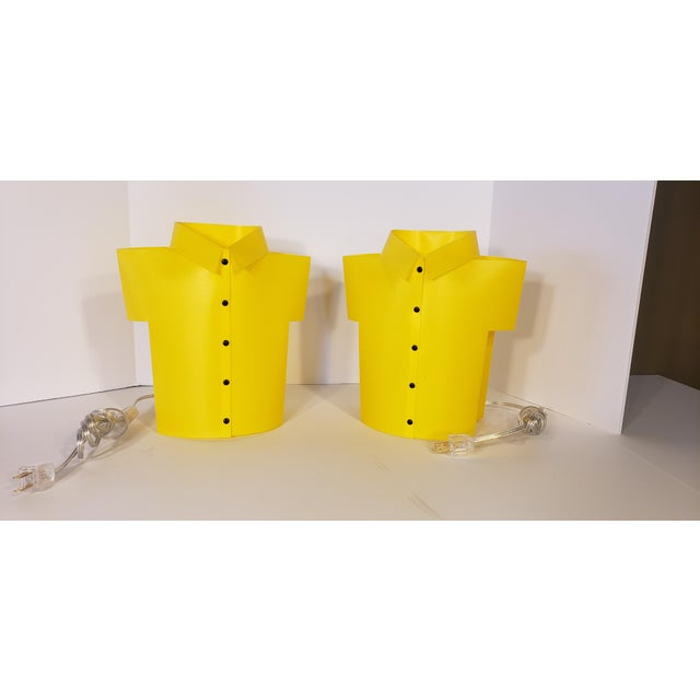 """Yellow Memphis Pop Art """"T Shirt"""" Lamps - a Pair For Sale In Austin - Image 6 of 6"""