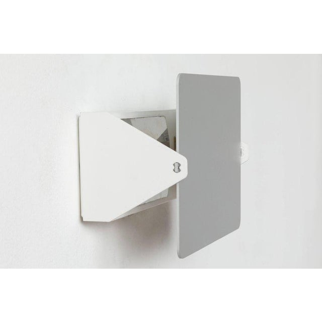 Cassina Charlotte Perriand 'Applique á Volet Pivotant' Wall Light in Natural Aluminum For Sale - Image 4 of 9