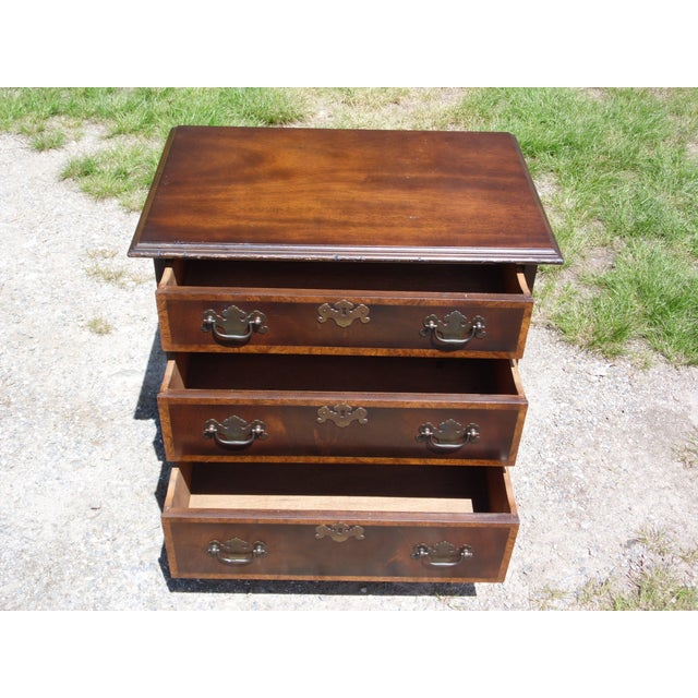 Vintage English Provincial Style Mahogany Banded Chest End Table Night Stand For Sale In Providence - Image 6 of 13