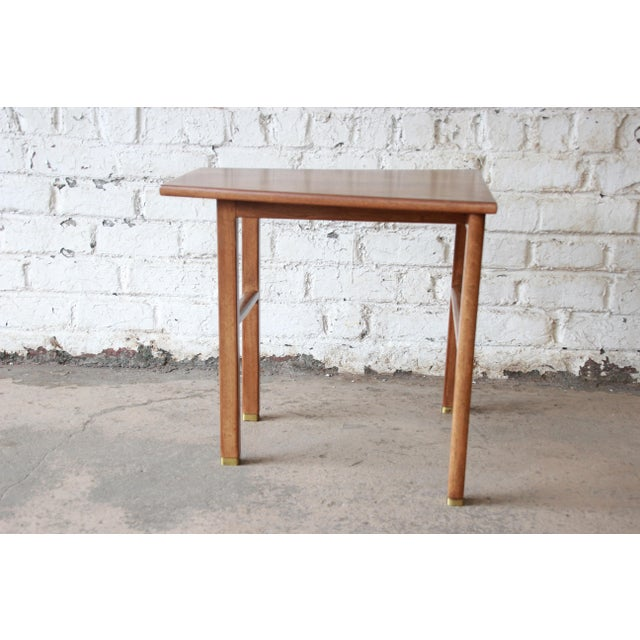 Contemporary Edward Wormley for Dunbar Walnut Cantilever Wedge End Table, 1950s For Sale - Image 3 of 13