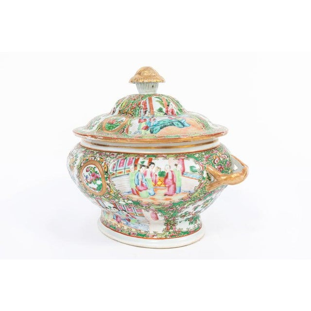 Traditional 19th Century Rose Medallion Covered Tureen and Platter - 2 Pieces For Sale - Image 3 of 11
