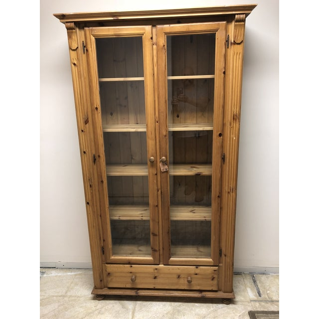 American Classical 1900s American Classical Pine Glass Front Bookcase For Sale - Image 3 of 10