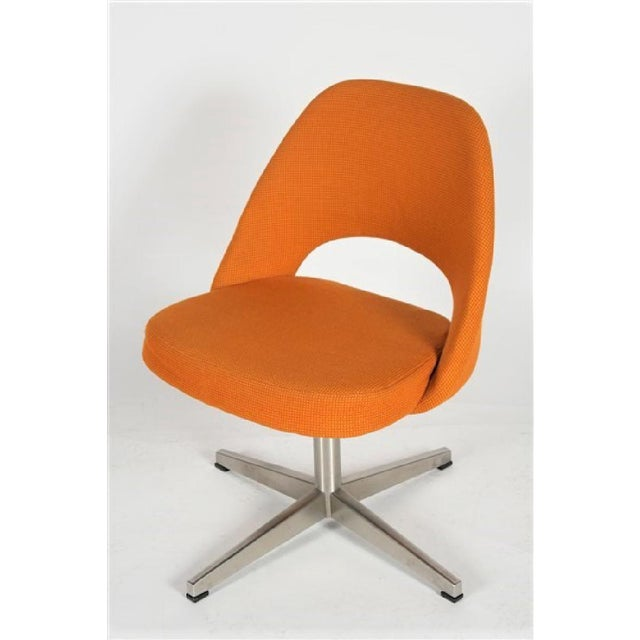 Mostly I love this chair for the x-base very reminiscent of the early Eames Aluminum Group side chairs that were so light...