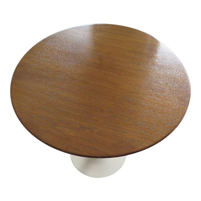 Knoll Saarinen Side Table with Walnut Top For Sale