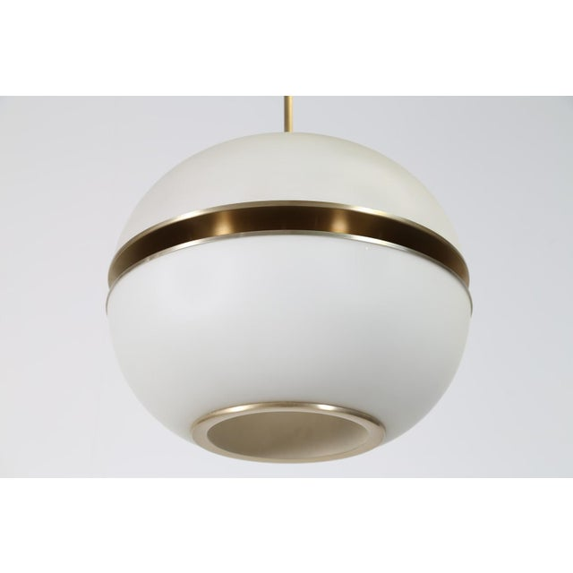 Abstract 1960s Italian Oscar Torlasco Round Glass Pendant Lantern For Sale - Image 3 of 5