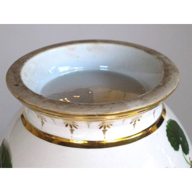 Early 20th Century A Good Quality Paris Porcelain Polychromed Double-Handled Cache Pot/Jardiniere For Sale - Image 5 of 7