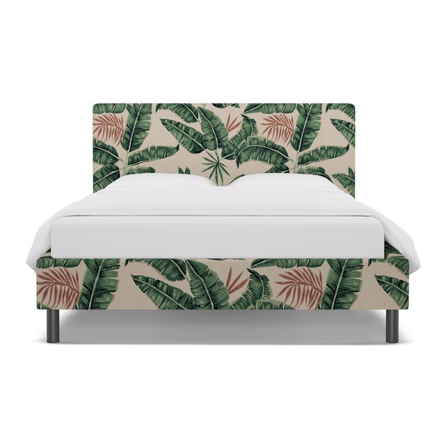 Queen Tailored Platform Bed in Banana Palm For Sale In New York - Image 6 of 6