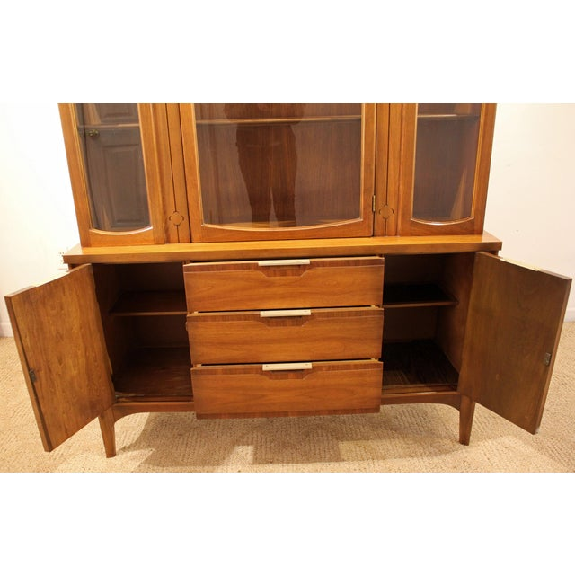 Mid-Century Danish Modern American of Martinsville Walnut China Cabinet #2 - Image 6 of 11