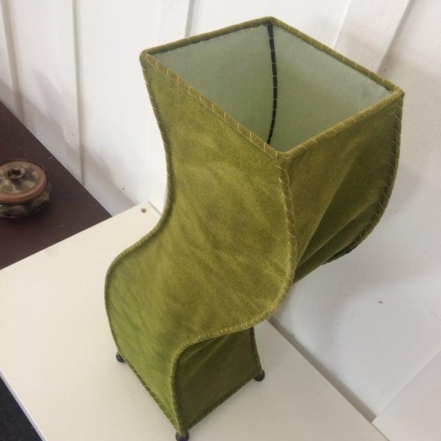 1960s Mid-Century Moss Green Velvet Table Lamp For Sale - Image 5 of 11