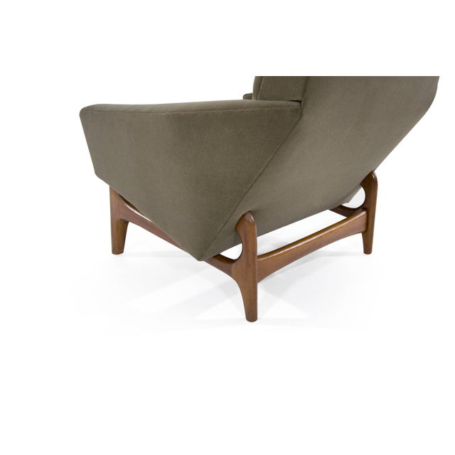 Scandinavian Modern Olive Velvet on Sculptural Teak Base Lounge Chairs - a Pair For Sale In New York - Image 6 of 11