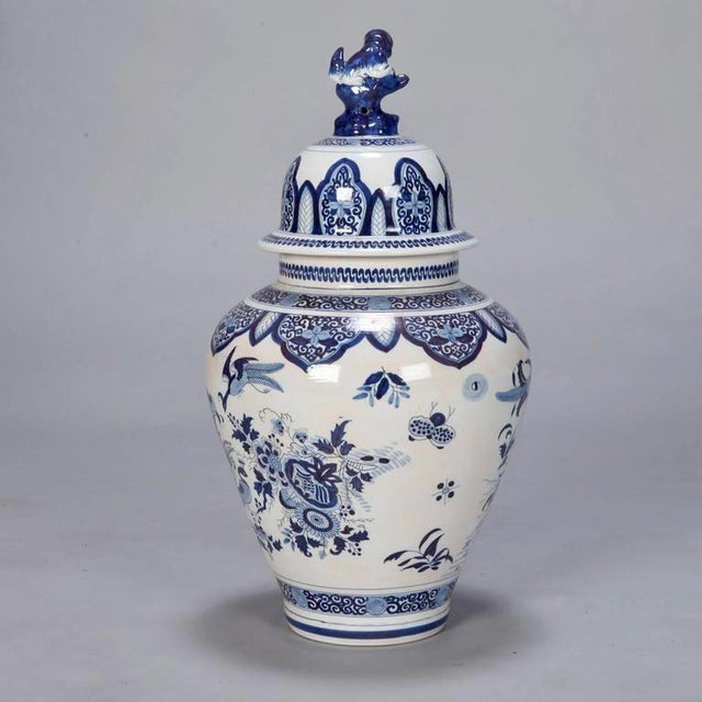 Blue and White Dutch Chinoiserie Vase or Ginger Jar with Foo Dog Lid For Sale - Image 4 of 8