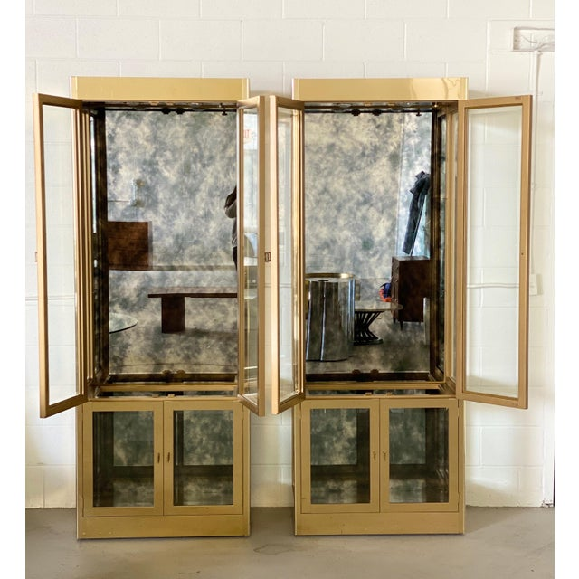 We are very pleased to offer an extraordinary, sophisticated, set of display cases by Mastercraft, circa the 1970s. These...