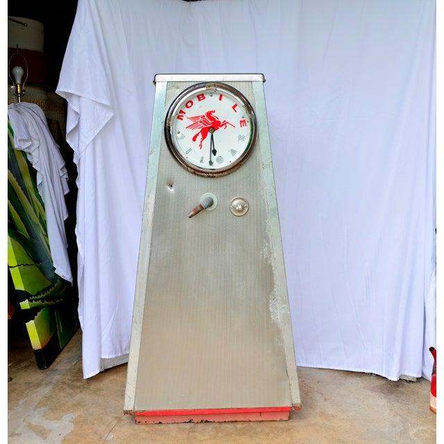 Vintage Mobil Oil Pegasus Advertising Display Cabinet For Sale - Image 13 of 13