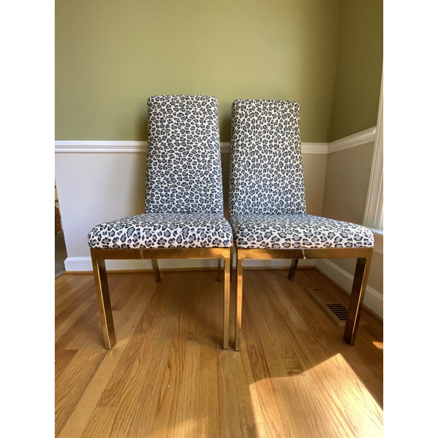 Gold 1970s Mastercraft Brass Expandable Dining Table & Mastercraft Leopard Chairs With Brass Legs - Set of 7 For Sale - Image 8 of 13