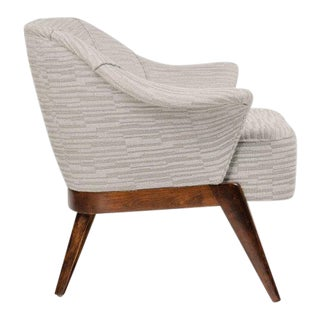 1940s Hollywood Swan Chair in Embossed Woven Wool and Dark Maple For Sale