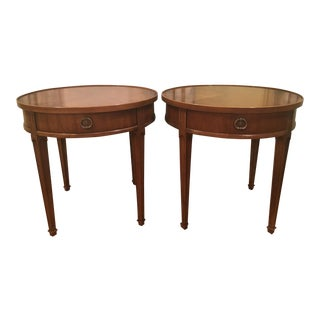 1970s Traditional Henredon Round Side Tables - a Pair For Sale