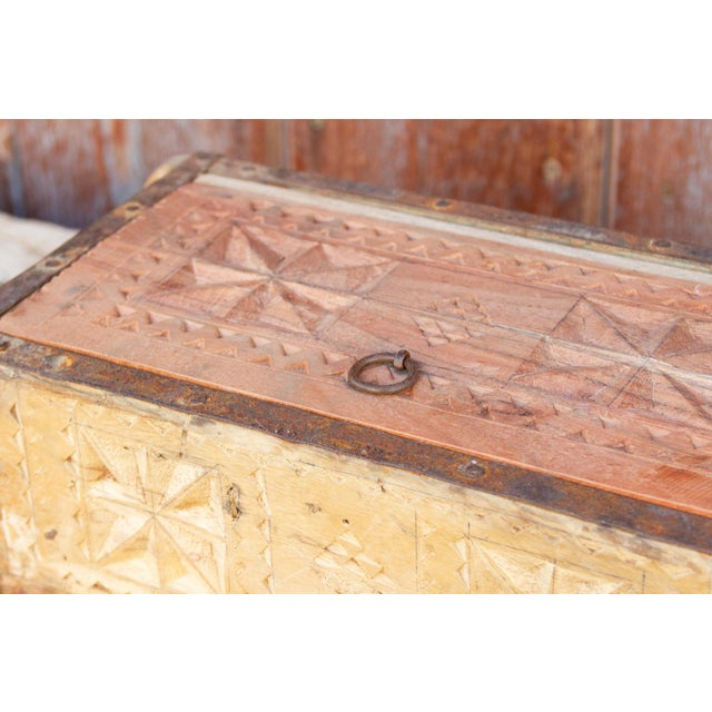 Asian Iris Swat Valley Spice Box For Sale - Image 3 of 7