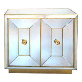 A Glamorous and Good Quality American Hollywood Regency 1940's Mirrored 2-Door Cabinet With Gilt Highlights