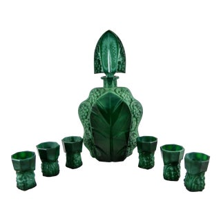 1930s Bohemian Art Deco Malachite Grapes and Leaf Pattern Glass Decanter With Six Cordials - Set of 7 For Sale