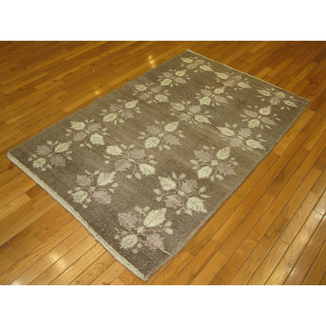 Small Vintage Handmade Rug - 3′5″ × 5′5″ - Image 5 of 5
