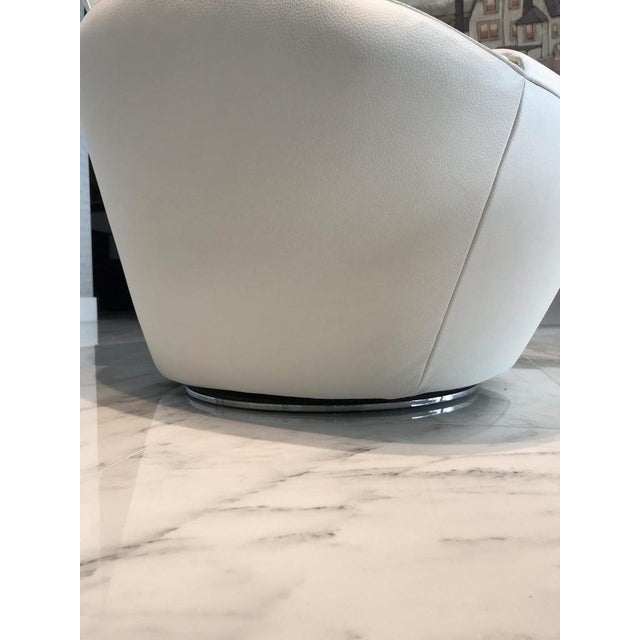 Edito Swivel Lounge Chair in White Leather by Roche Bobois For Sale - Image 12 of 13