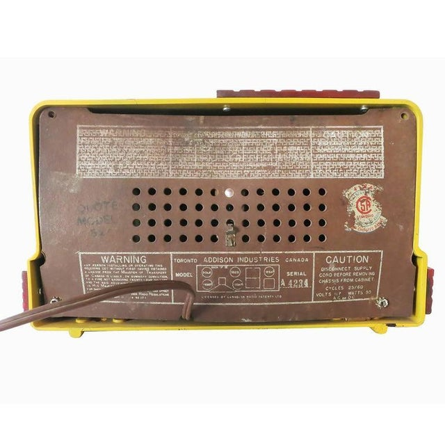 """Addison Model Two """"Waterfall"""" Red and Mustard Catalin Tube Radio For Sale - Image 5 of 7"""