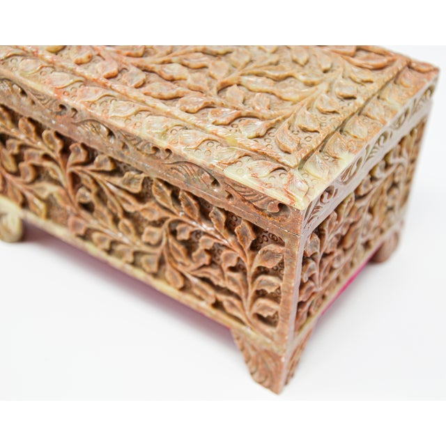Anglo-Indian Hand-Carved Stone Jewelry Box Rajasthan, India For Sale - Image 3 of 13