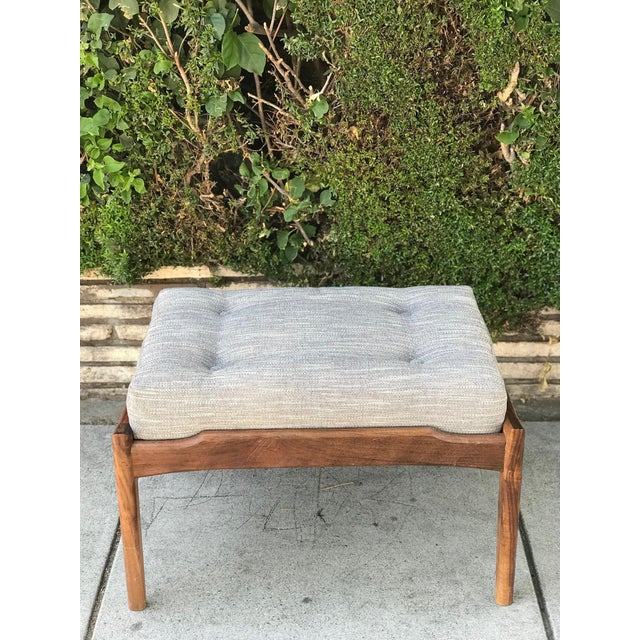 Blue Mid Century Modern Lounge Chair and Ottoman- Customizable For Sale - Image 8 of 13