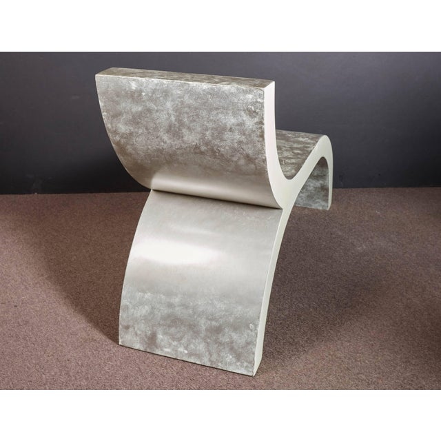Mid-Century Modern White Lacquered Sculptural Chaise Lounge For Sale - Image 4 of 10