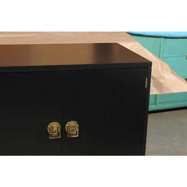1960s Elegant Mahogany Cabinet by Renzo Rutili in Black Lacquer For Sale - Image 5 of 9