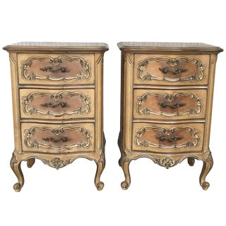 20th Century Pair of Swedish Cream Painted Nightstands With Three Drawers For Sale