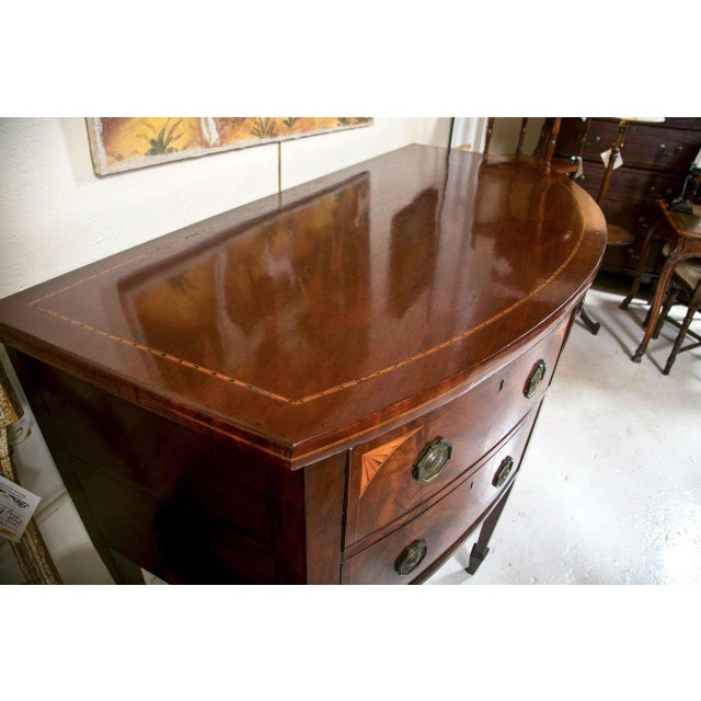 Brown English Georgian Style Mahogany Sideboard For Sale - Image 8 of 9