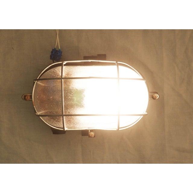 Industrial bakelite wall lamp, 1948 For Sale - Image 5 of 6