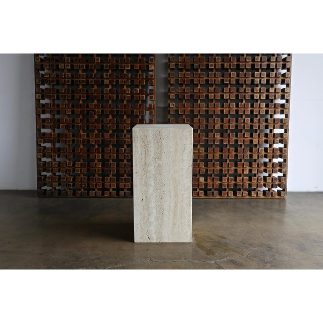 Hollywood Regency Tall Travertine Pedestal, Circa 1980 For Sale - Image 3 of 6